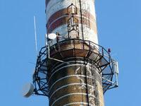 zdjęcie stacji bazowej Piastowska 19 komin (Era GSM900/GSM1800, Orange GSM900/GSM1800, Play UMTS) p1030836.jpg