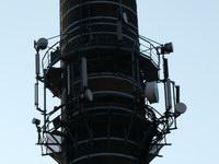 zdjęcie stacji bazowej Piastowska 19 komin (Era GSM900/GSM1800, Orange GSM900/GSM1800, Play UMTS) p1030841.jpg