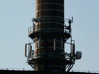 zdjęcie stacji bazowej Piastowska 19 komin (Era GSM900/GSM1800, Orange GSM900/GSM1800, Play UMTS) p1030843.jpg