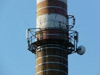 zdjęcie stacji bazowej Piastowska 19 komin (Era GSM900/GSM1800, Orange GSM900/GSM1800, Play UMTS) p1030846.jpg