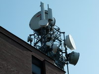 zdjęcie stacji bazowej Bernardyńska 14 (Era GSM900, Orange GSM1800/UMTS) p1020638.jpg