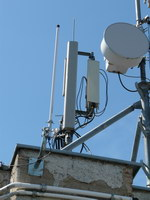 zdjęcie stacji bazowej Letniskowa 3 (Plus GSM900, Era GSM900/GSM1800/UMTS, Orange GSM900/GSM1800) p1010813.jpg