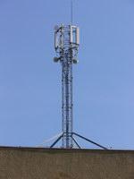 zdjęcie stacji bazowej Derdowskiego 8 (Play GSM900/UMTS) p1070178.jpg